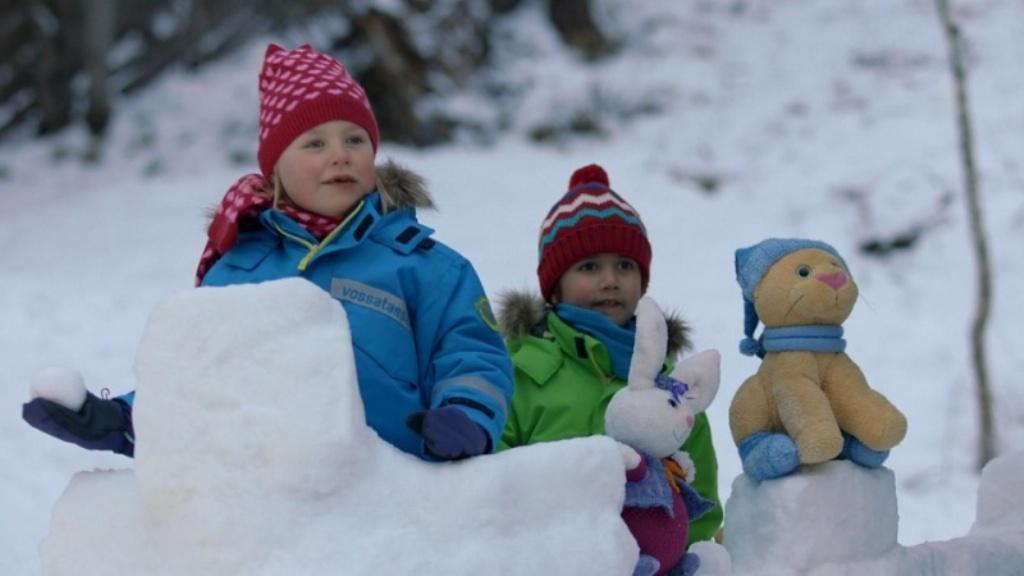 """""""Kacper i Emma – zimowe wakacje"""", reż. A. L. Næss"""